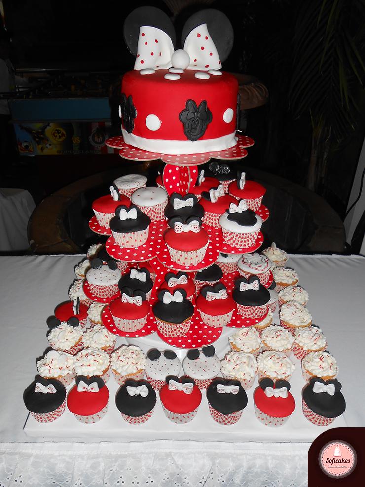 Pastel y cupcakes de minnie pasteles caseros soficakes for Decoracion en cupcakes